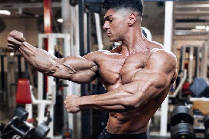 Биохимия: вот почему так сложно нарастить мышечную массу при дефиците!